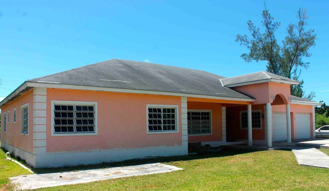 Single Family Home for Sale at Sea Breeze Estate Home - MLS 32238 Sea Breeze, Nassau And Paradise Island, Bahamas