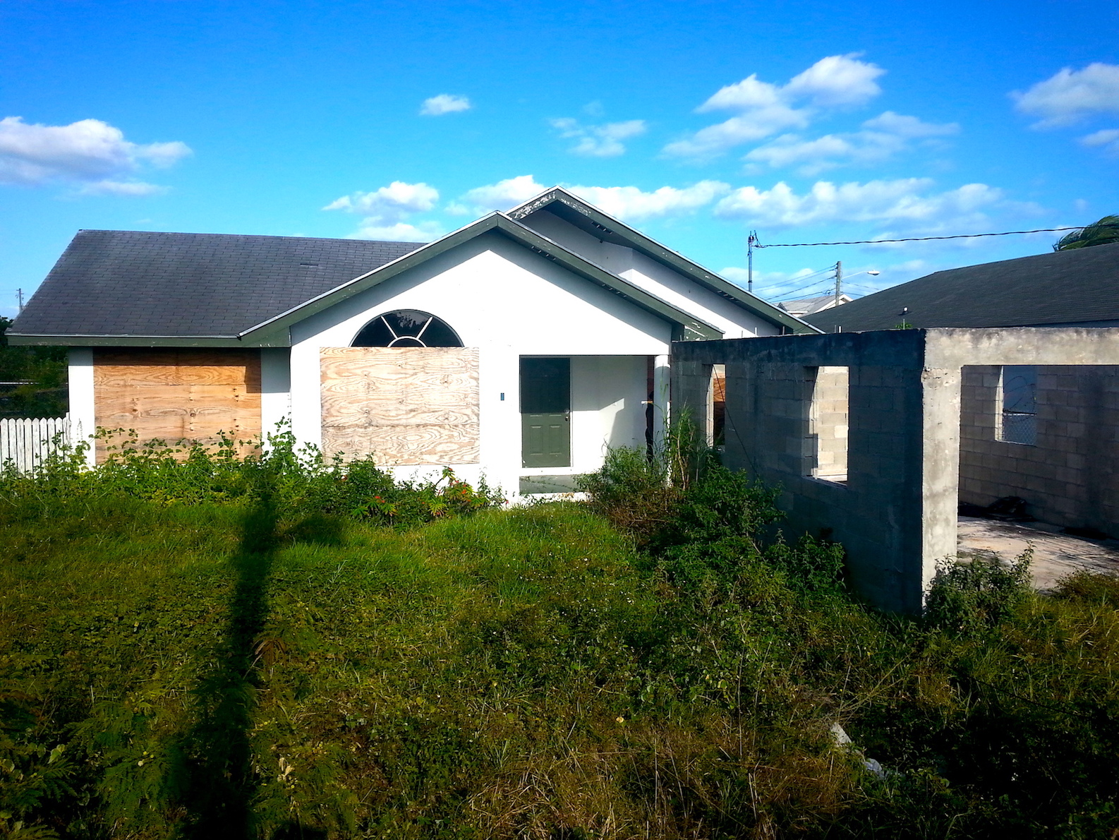 Single Family Home for Sale at Single Family Home in Sunset Meadows Carmichael Road, Nassau And Paradise Island, Bahamas