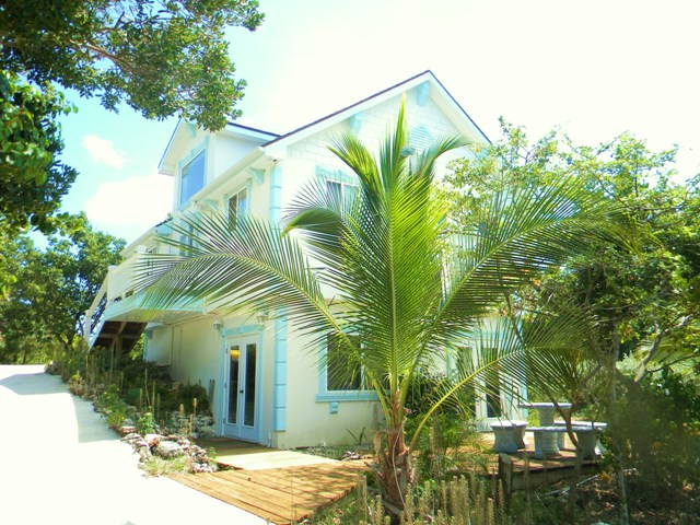 Single Family Home for Rent at Prime Waterfront Dock House on Black Sound Green Turtle Cay, Abaco, Bahamas