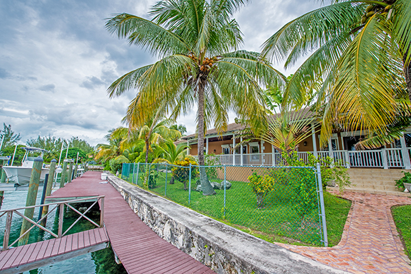 Single Family Home for Rent at Enjoy Gracious Island Living in Waterfront Luxury Home for Rent! Fortune Bay, Grand Bahama, Bahamas
