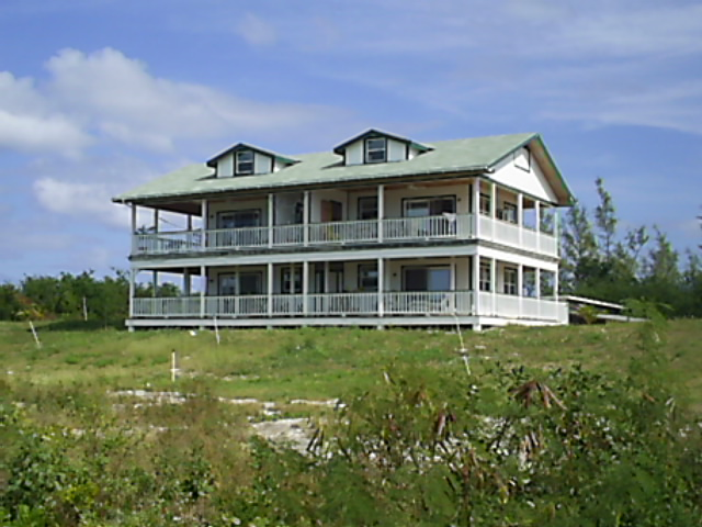 Commercial for Rent at Beautiful Seaview Bungalow Stella Maris, Long Island, Bahamas
