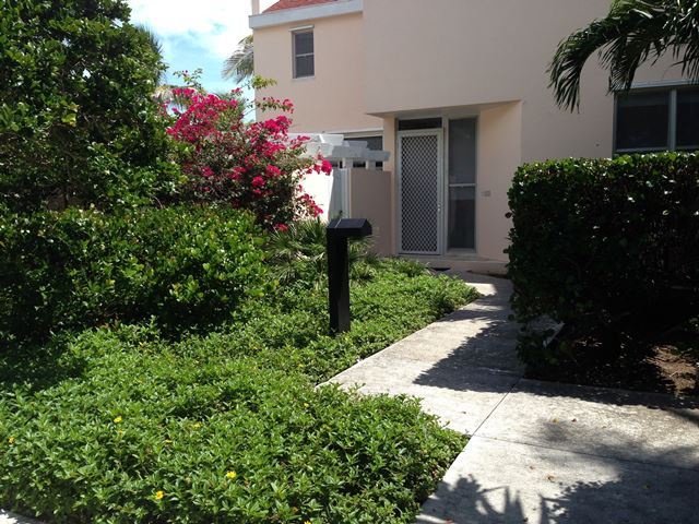 Co-op / Condo for Rent at Dick's Point - Waterfront! Eastern Road, Nassau And Paradise Island, Bahamas