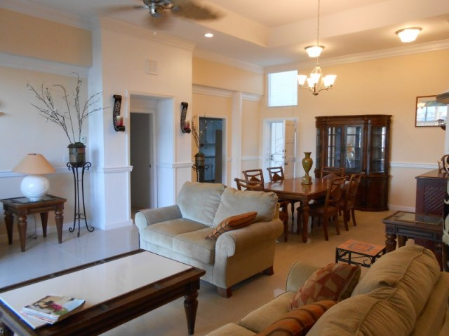 Co-op / Condo for Rent at Flamingo Court on Paradise Island Paradise Island, Nassau And Paradise Island, Bahamas
