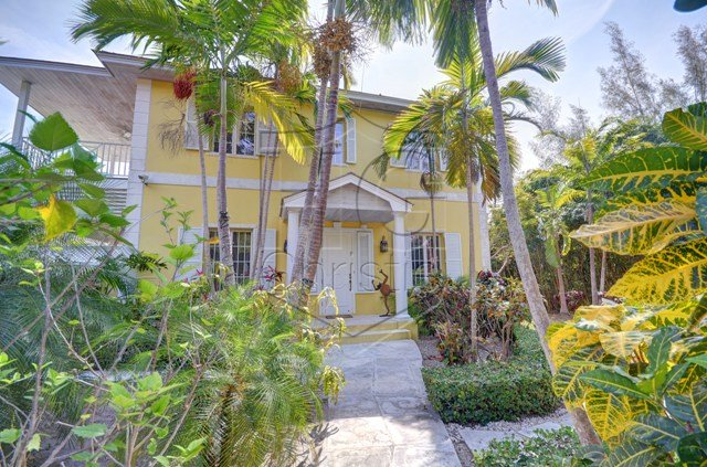 Single Family Home for Rent at Luxury Vacation Rental in Lyford Cay Lyford Cay, Nassau And Paradise Island, Bahamas