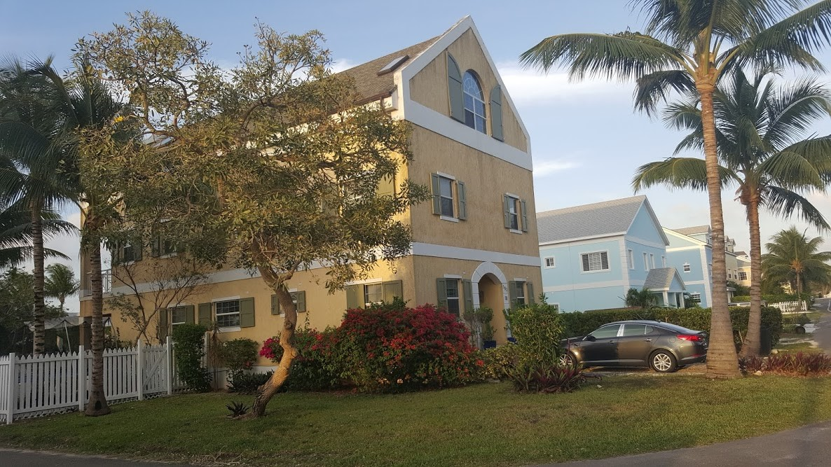 Single Family Home for Rent at Very Private And Well Built Home On Canal Sandyport, Cable Beach, Nassau And Paradise Island Bahamas