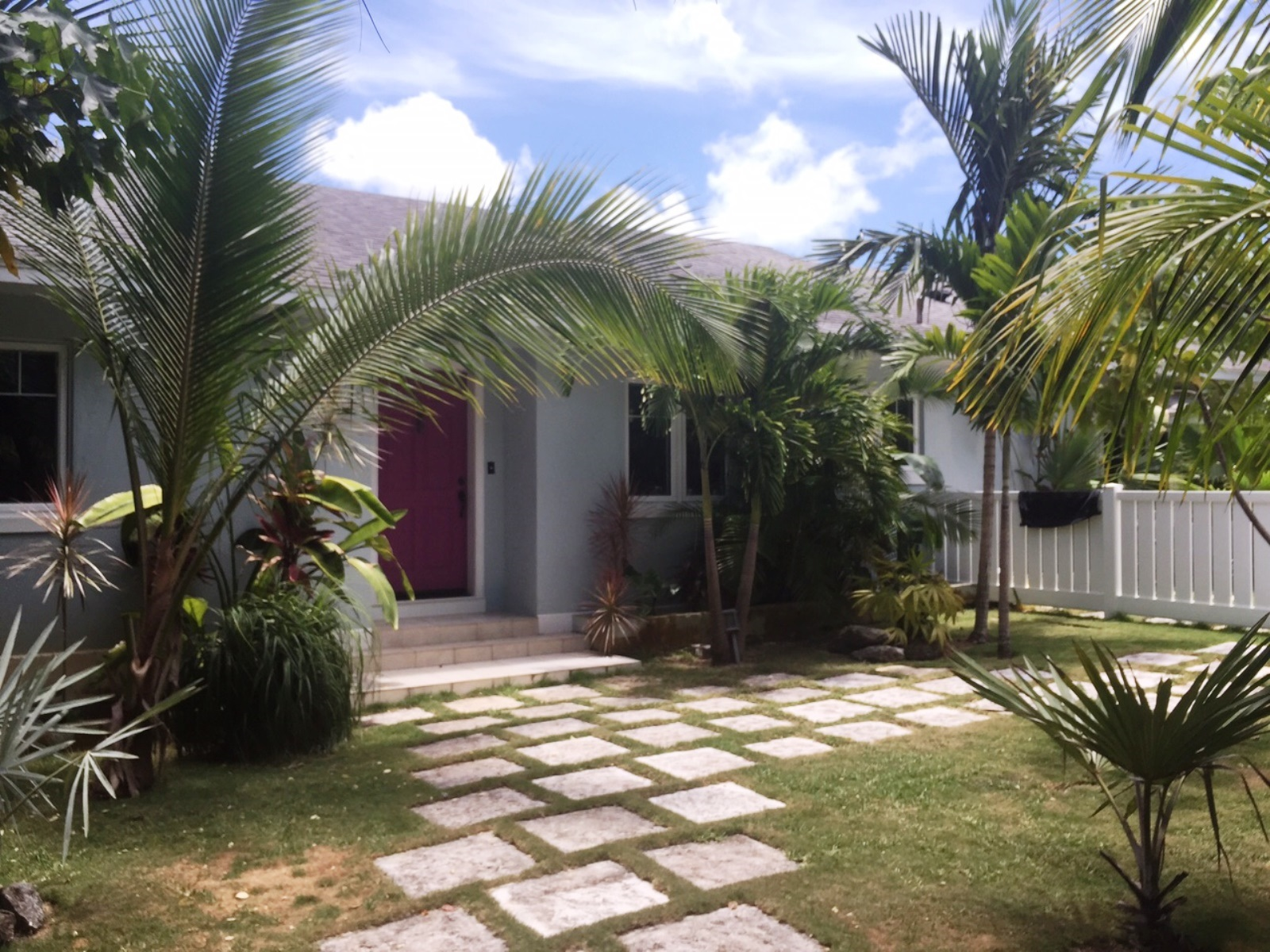 Single Family Home for Rent at Executive House and Guest Cottage in Harmony Hill Village Road, Nassau And Paradise Island, Bahamas