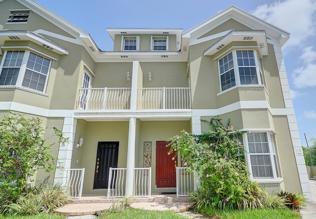 Co-op / Condo for Rent at Spacious Gated Community Townhome Nassau And Paradise Island, Bahamas