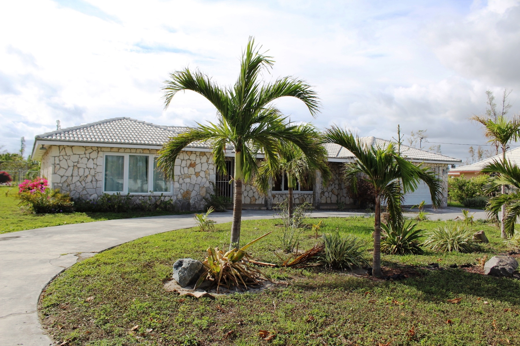 Single Family Home for Rent at Rental Home Near The Beach Lucayan Beach, Grand Bahama, Bahamas