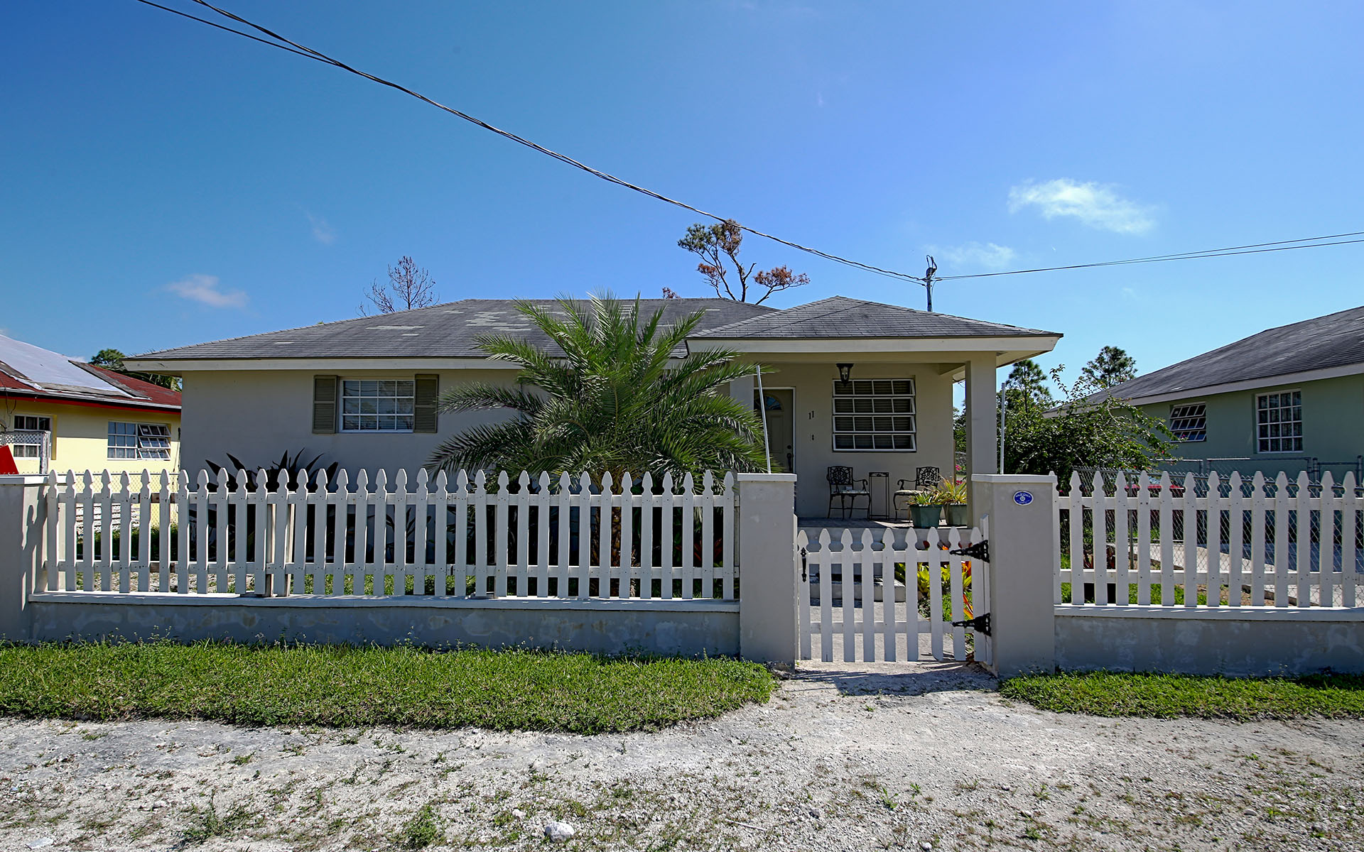 Single Family Home for Rent at Cottage Style Home in Adelaide Nassau And Paradise Island, Bahamas