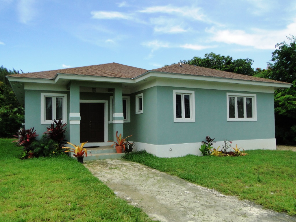 Single Family Home for Rent at Charming Home in Gated Community of West Winds Nassau And Paradise Island, Bahamas