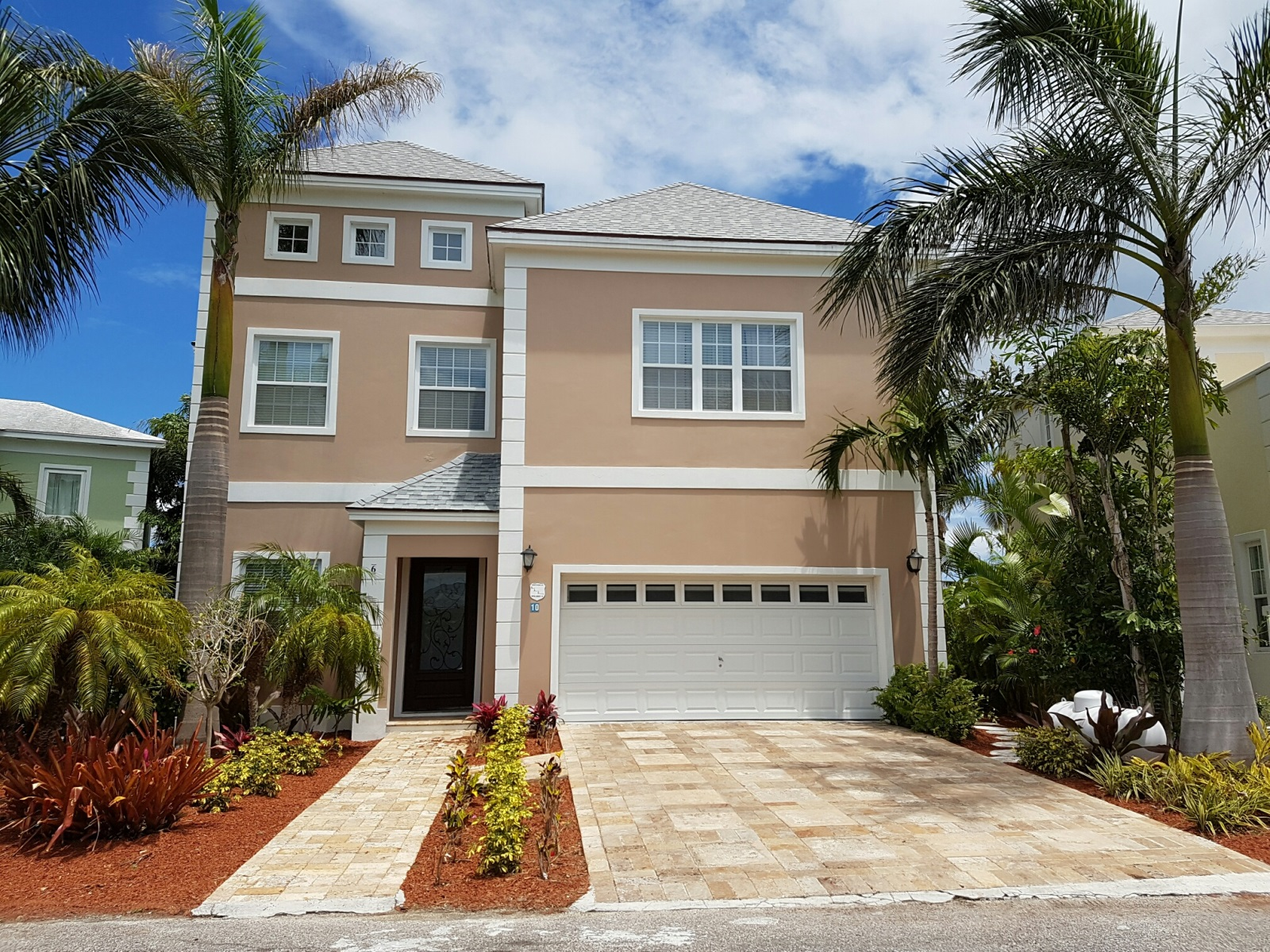 Single Family Home for Rent at Magnificent Canal Front Home in Sandyport Sandyport, Cable Beach, Nassau And Paradise Island Bahamas