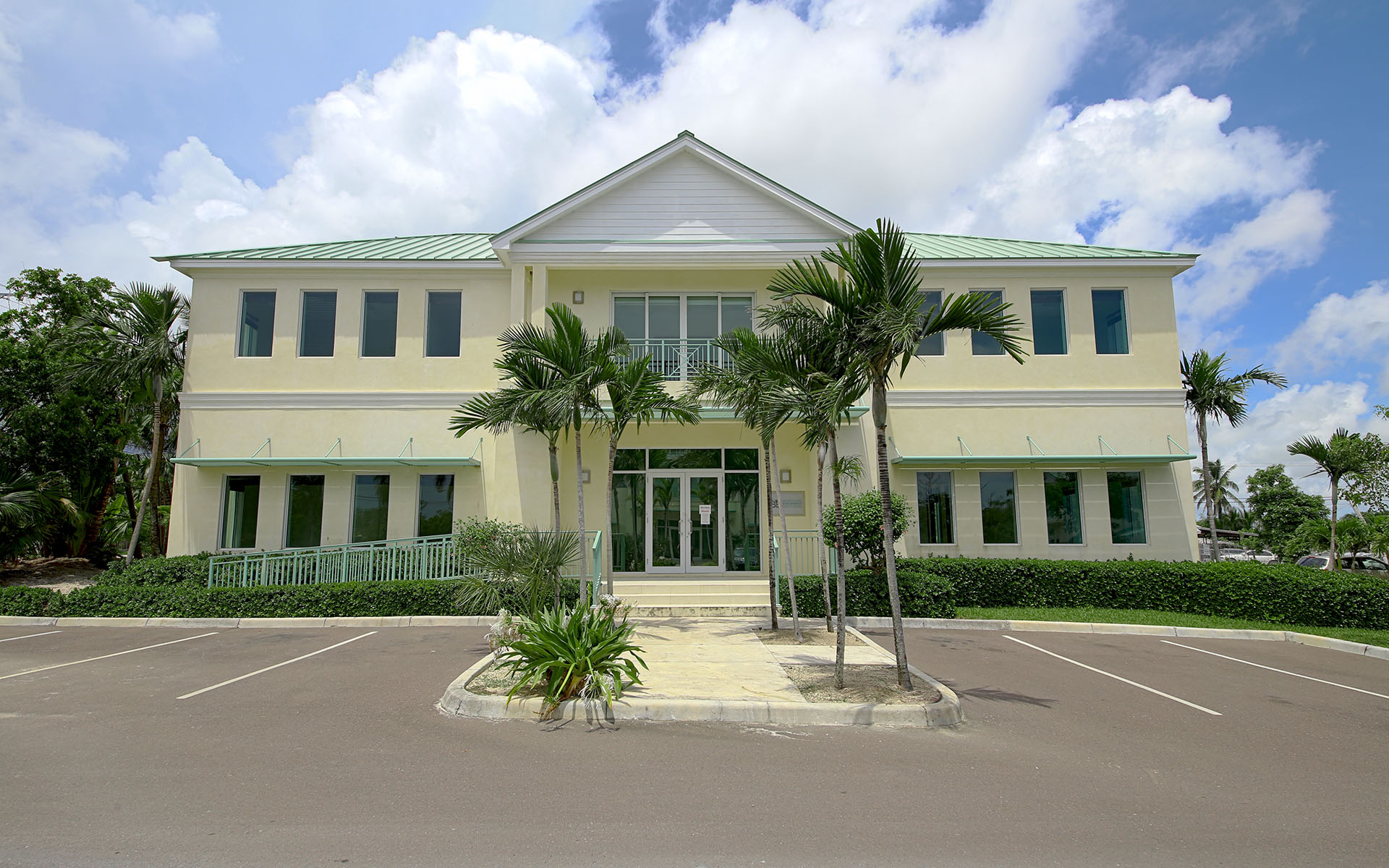 Commercial for Rent at Western New Providence Commercial Centre MLS:31012 Western Road, Nassau And Paradise Island, Bahamas