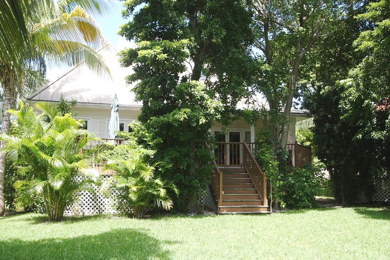 Single Family Home for Rent at Unique Shoreline Home Shoreline, Lucaya, Grand Bahama Bahamas