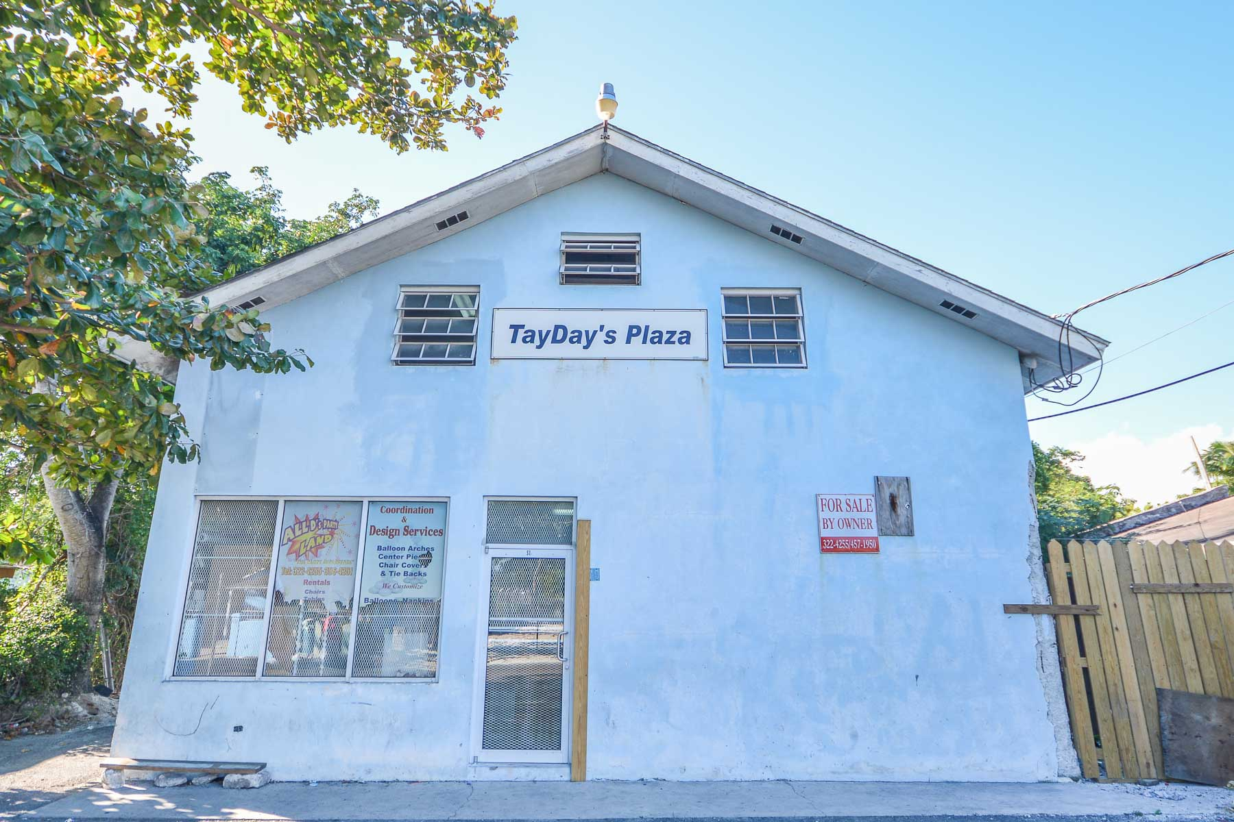 Commercial for Rent at Small business space with kitchen & half bath - MLS 32605 Nassau And Paradise Island, Bahamas