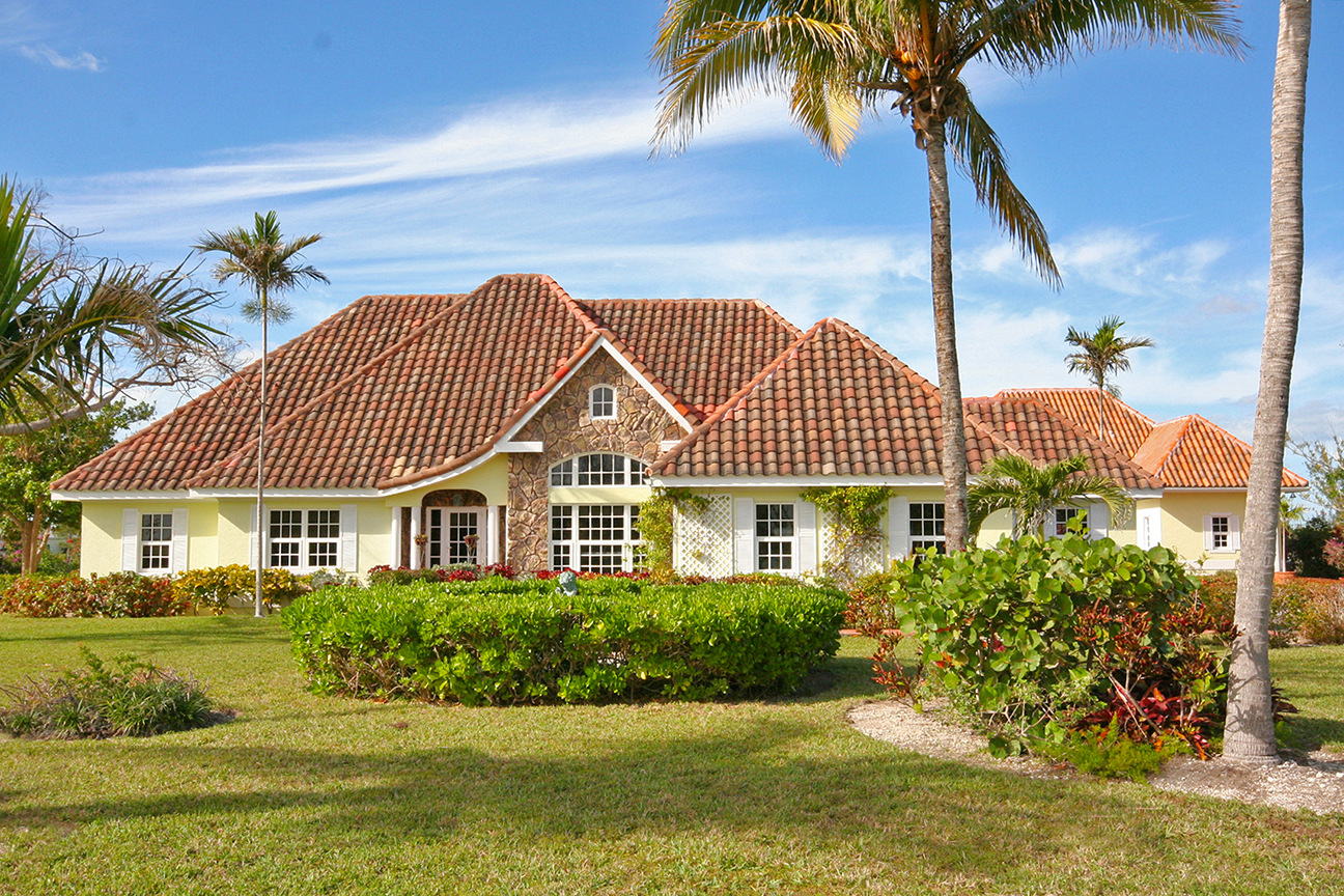 Single Family Home for Rent at Wonderfully Ecclectic Canal Front Home on Prestigious Spanish Main! Fortune Bay, Grand Bahama, Bahamas