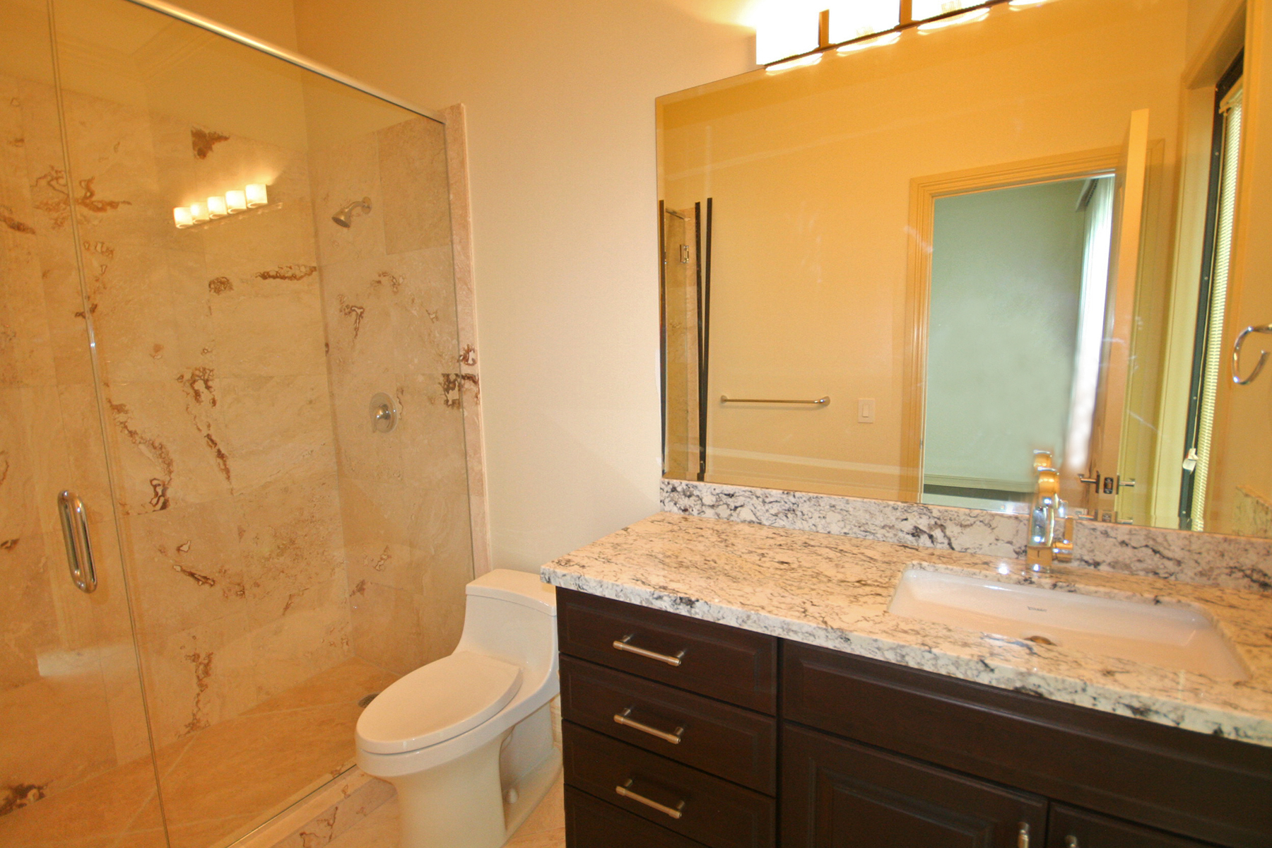 Additional photo for property listing at Spectacular Newly Built Canal front Luxury Home Fortune Bay, Grand Bahama, Bahamas