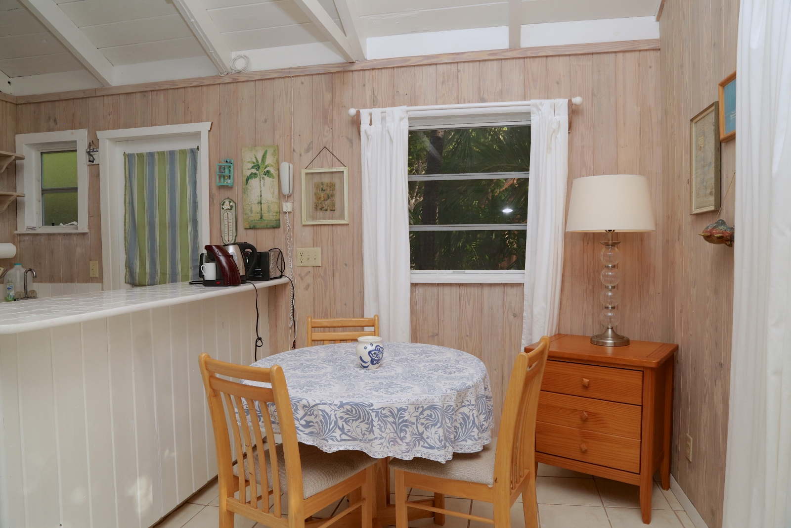 Additional photo for property listing at Chele's Cottage (MLS: 28019) Abaco, Bahamas