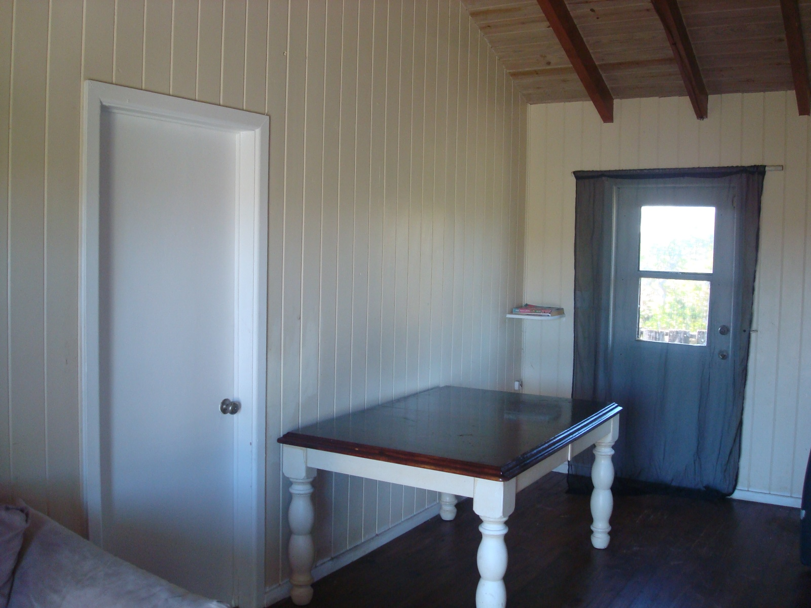 Additional photo for property listing at GREAT Fixer-Upper Opportunity Elbow Cay Hope Town, Abaco, Bahamas
