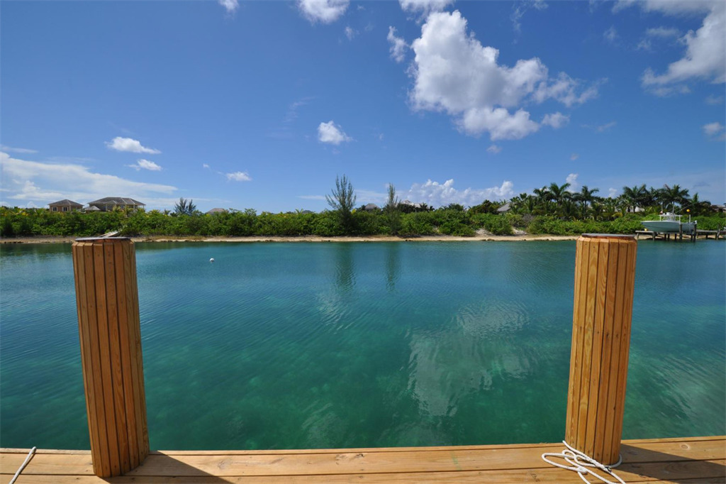 Additional photo for property listing at Just Completed Charleston Home Bahamas