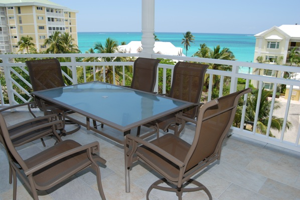Additional photo for property listing at Bayroc 5th Floor Oceanfront Condo Nassau New Providence And Vicinity