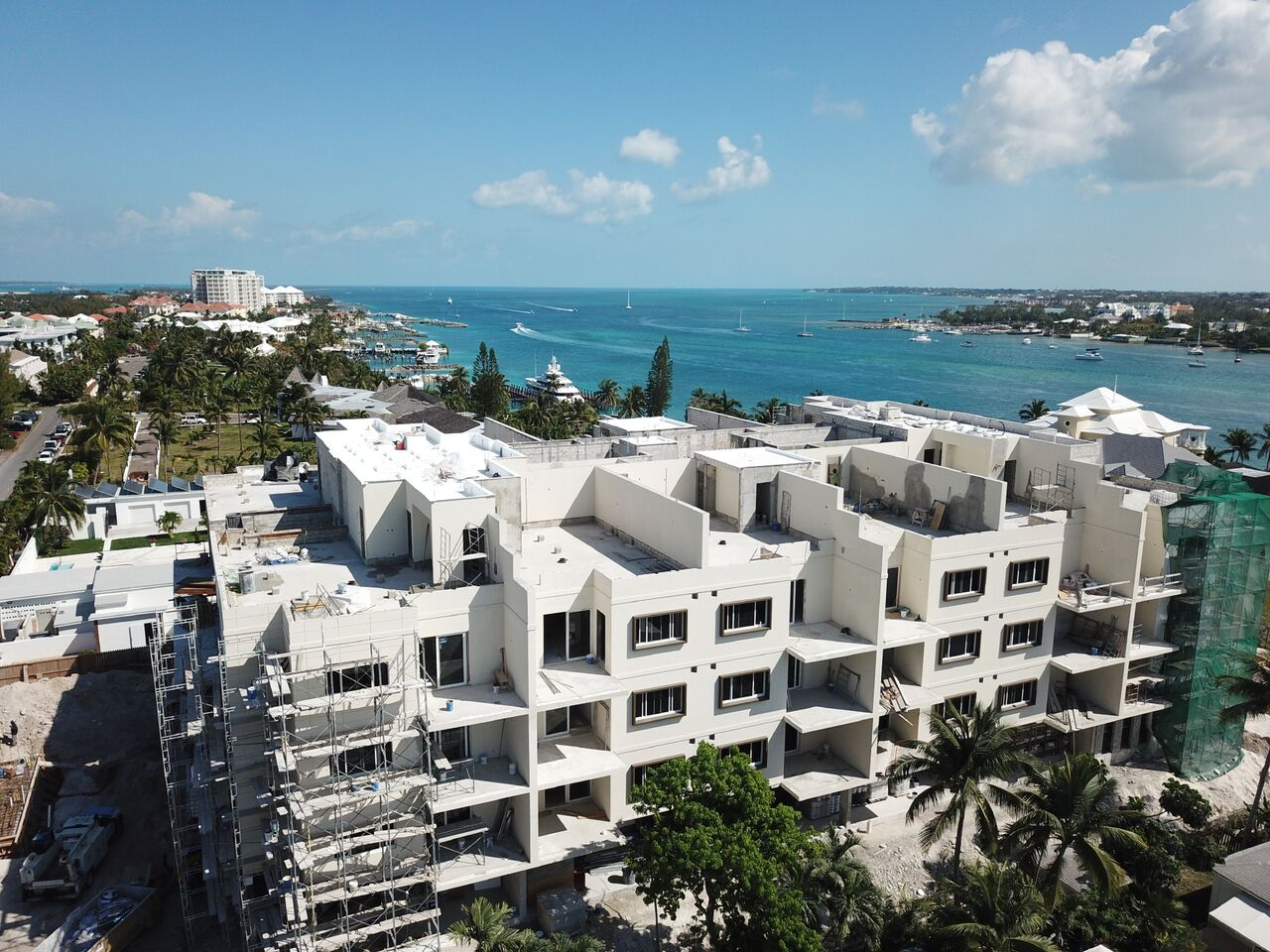 Additional photo for property listing at Luxury 2 Bedroom Condo on Paradise Island Nassau New Providence And Vicinity