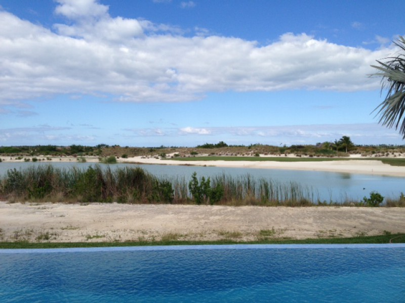 Additional photo for property listing at Brand New lakefront Golf Course Home バハマ