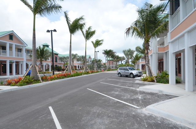 Additional photo for property listing at Old Fort Town Centre, End Unit Office Condominium Old Fort Bay, Nassau And Paradise Island, Bahamas