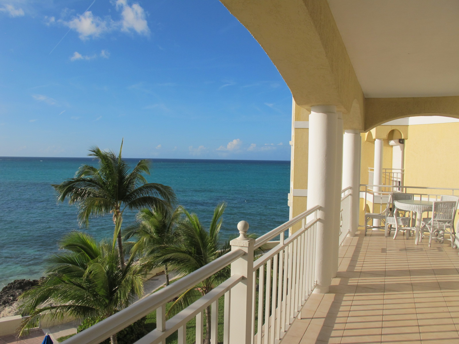 Additional photo for property listing at Caves Condo with Panoramic Ocean Views Caves Point, Nassau And Paradise Island, Bahamas