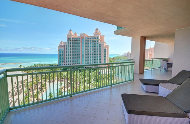 Additional photo for property listing at Fabulous 14th Floor Deluxe One Bedroom Ocean View Suite at The Reef Nassau New Providence And Vicinity