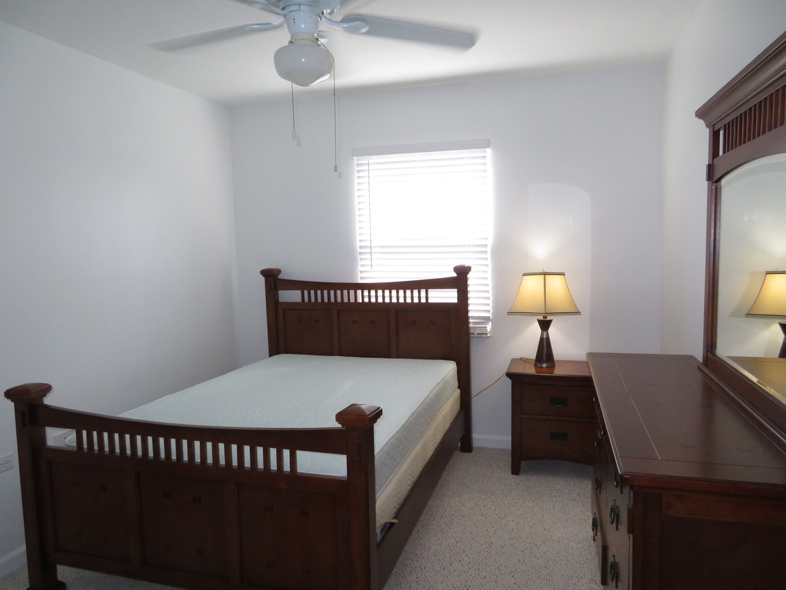 Additional photo for property listing at Spacious 3 bedroom condo with Garage near town and Cable Beach Nautica, Nassau And Paradise Island, Bahamas