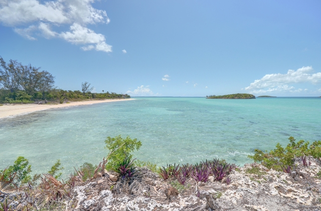 Additional photo for property listing at Central Eleuthera Beachfront Investment Property Eleuthera, Bahamalar