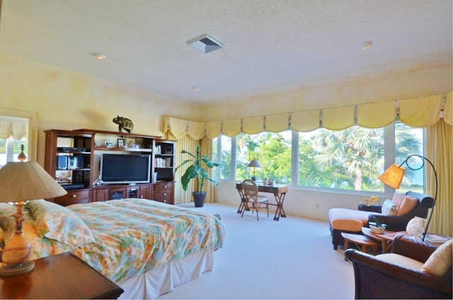 Additional photo for property listing at Eastern Road Oceanfront Estate MLS 25752 Nassau New Providence And Vicinity