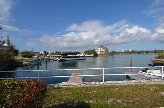 Additional photo for property listing at Waterfront Condominiums adjacent to Taino Beach Багамские Острова