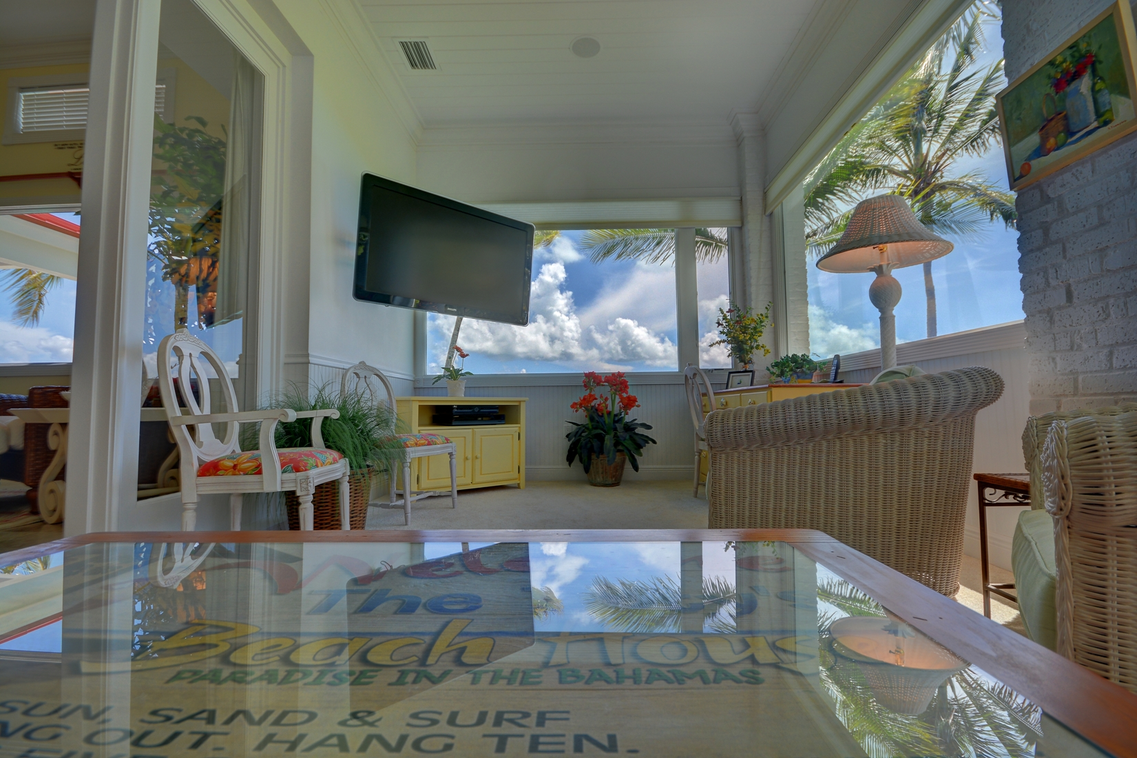 Additional photo for property listing at Luxury Beachfront Estate on Treasure Cay Beach Abaco, Μπαχαμεσ