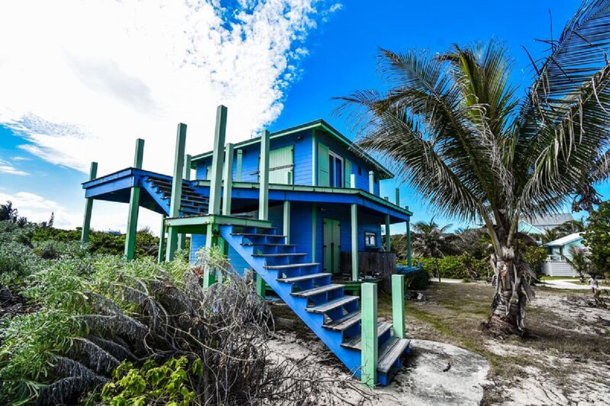 Additional photo for property listing at Oceanside Beginnings Elbow Cay Hope Town, Abaco, Bahamas