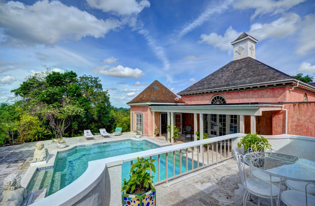 Additional photo for property listing at Lyford Cay Hilltop Estate Bahamalar