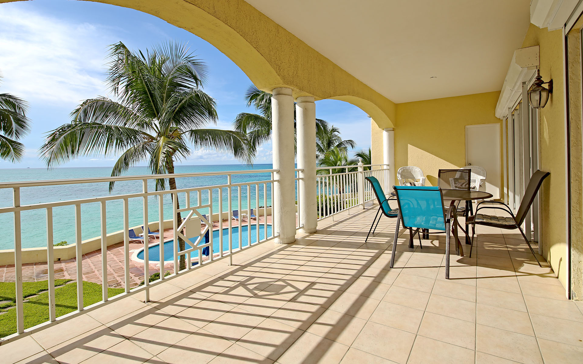 Additional photo for property listing at Exquisite Condo in Gated Community Bahamas