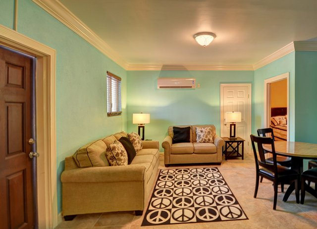 Additional photo for property listing at Condo In The Heart of Cable Beach Cable Beach, Nassau And Paradise Island, Bahamas