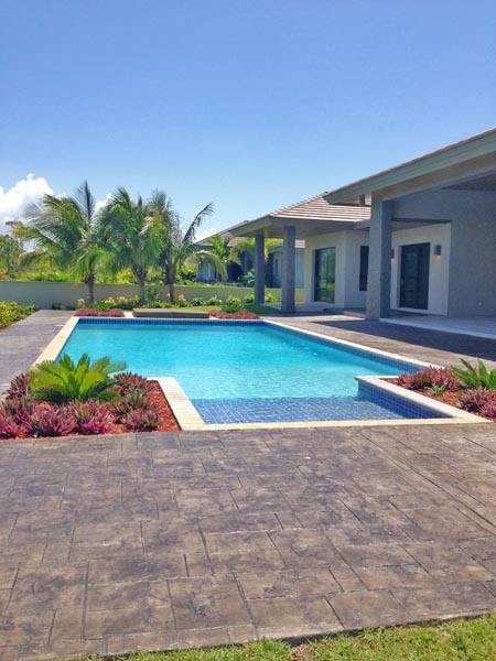 Additional photo for property listing at Stunning Waterfront Home Bahamalar