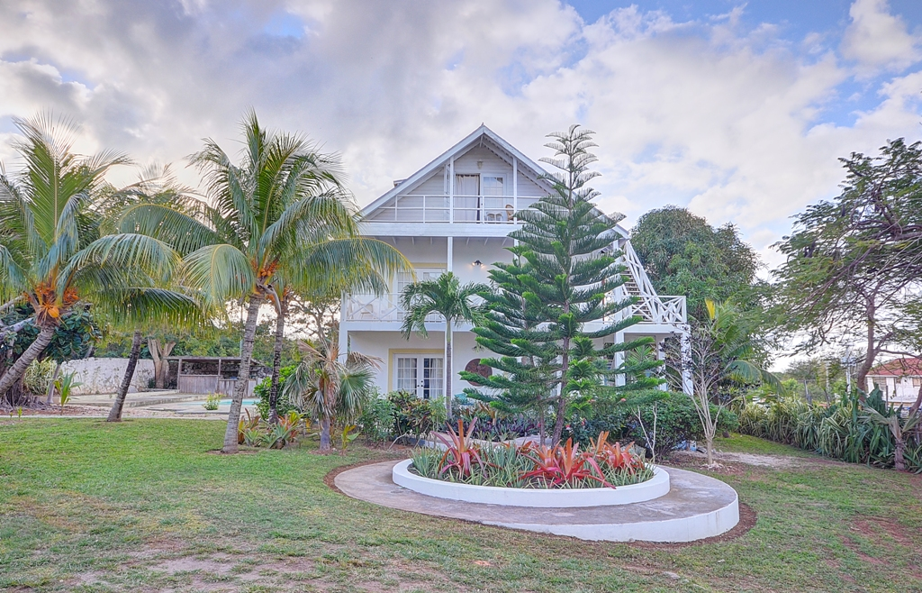 Additional photo for property listing at Governor's Harbour Opportunity! Governors Harbour, Eleuthera, Bahamas
