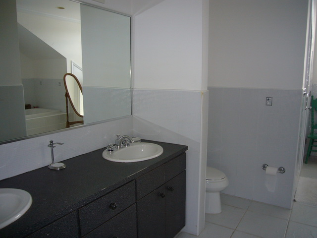 Additional photo for property listing at Elegant Townhouse Nassau New Providence And Vicinity