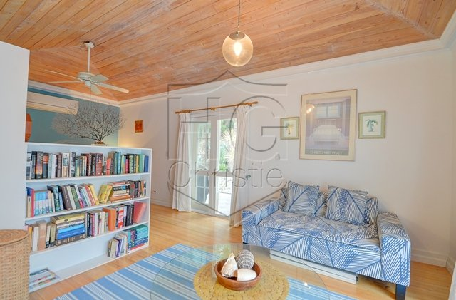 Additional photo for property listing at Contemporary Renovated Lyford Cay House Bahamas