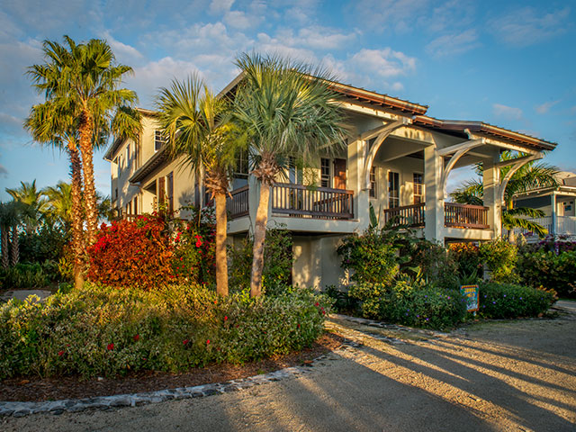 Additional photo for property listing at Gumbo Limbo House at Deep Water Cay Bahamas