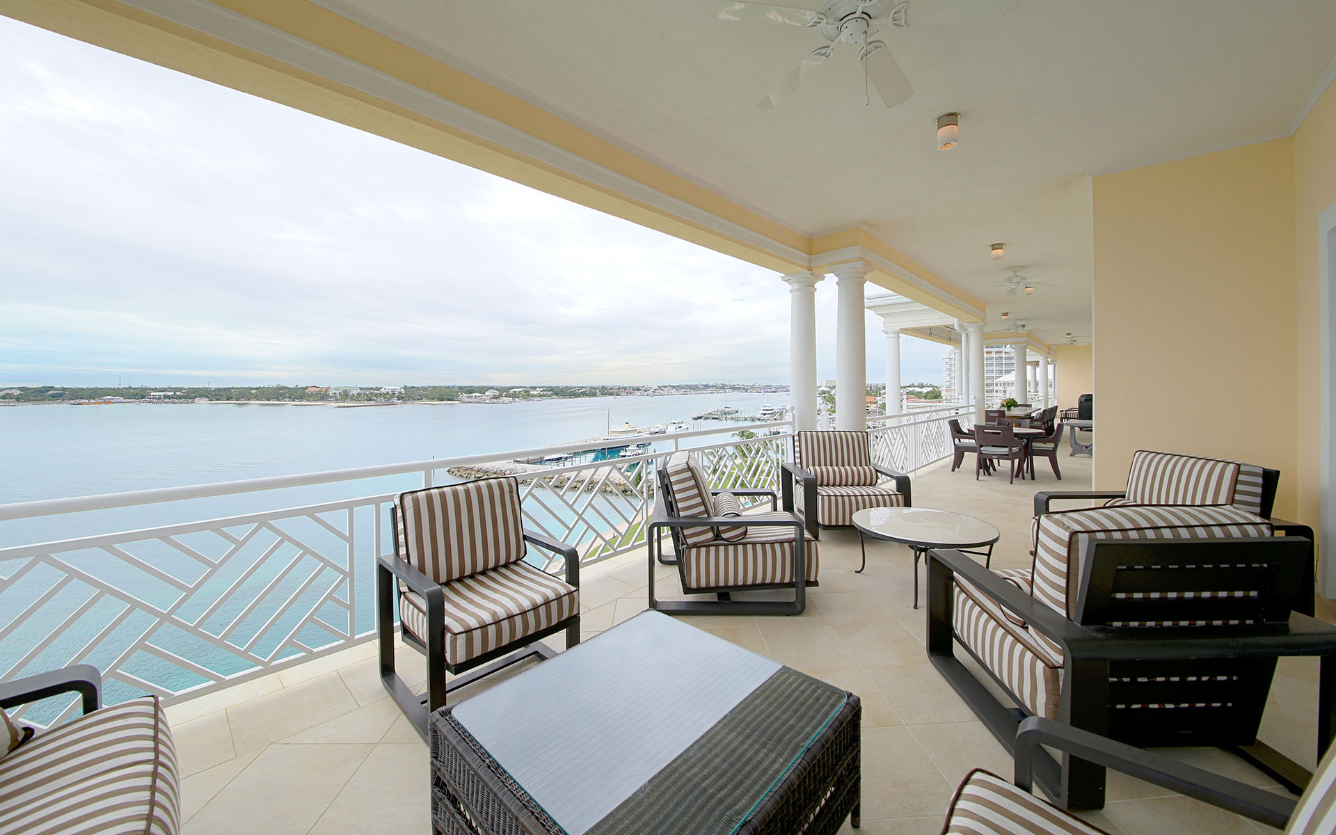 Additional photo for property listing at The Most Incredible Penthouse in The Ocean Club Residences - MLS 32069 Ocean Club Estates, Paradise Island, Nassau And Paradise Island Bahamas