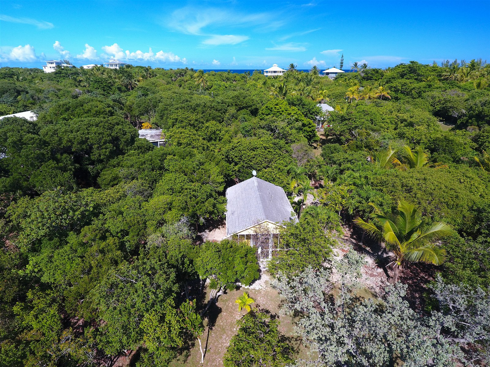 Additional photo for property listing at Chele's Cottage Abaco, Bahamas
