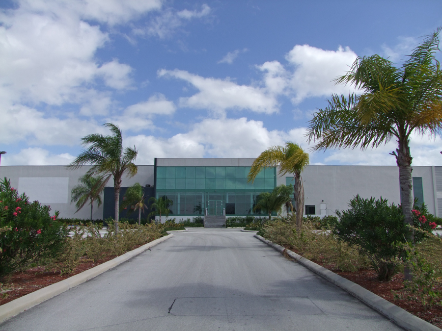 Additional photo for property listing at Sea/Air Business Centre Warehouse and Offices on 20 Acres in prime location! Civic Industrial Area, Grand Bahama, Bahamas