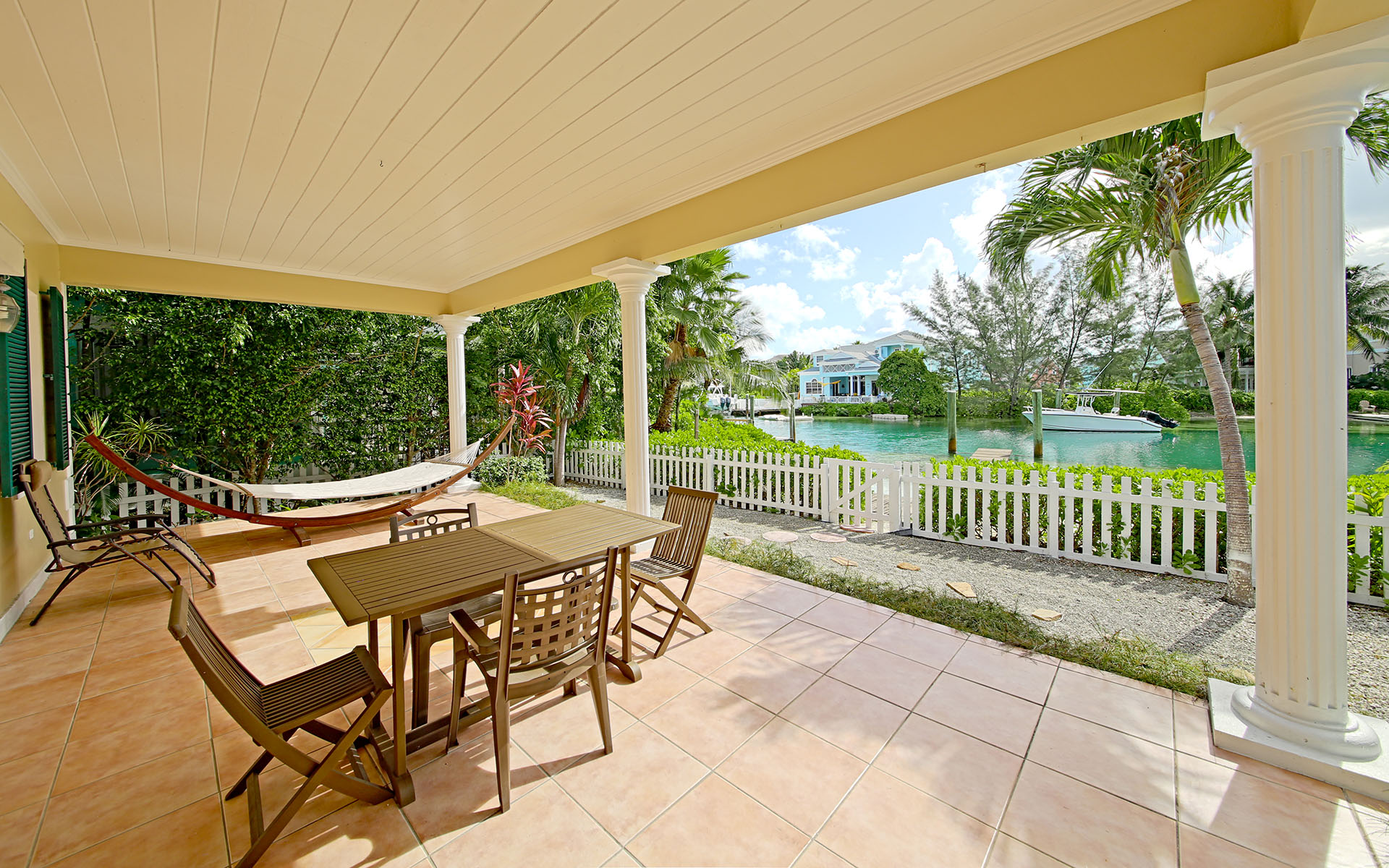 Additional photo for property listing at #15 Governor's Cay Sandyport - MLS 28261 Sandyport, Cable Beach, Nassau And Paradise Island Bahamas