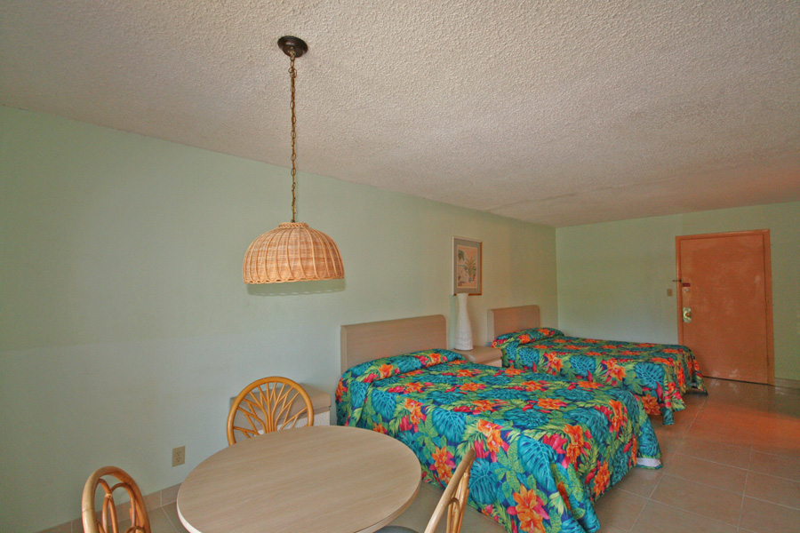 Additional photo for property listing at Prime Location! 19 Unit Apartment Complex next to Port Lucaya and Beach Bahamas