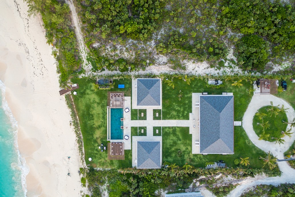 Additional photo for property listing at Chic Island Living Eleuthera, Bahamas