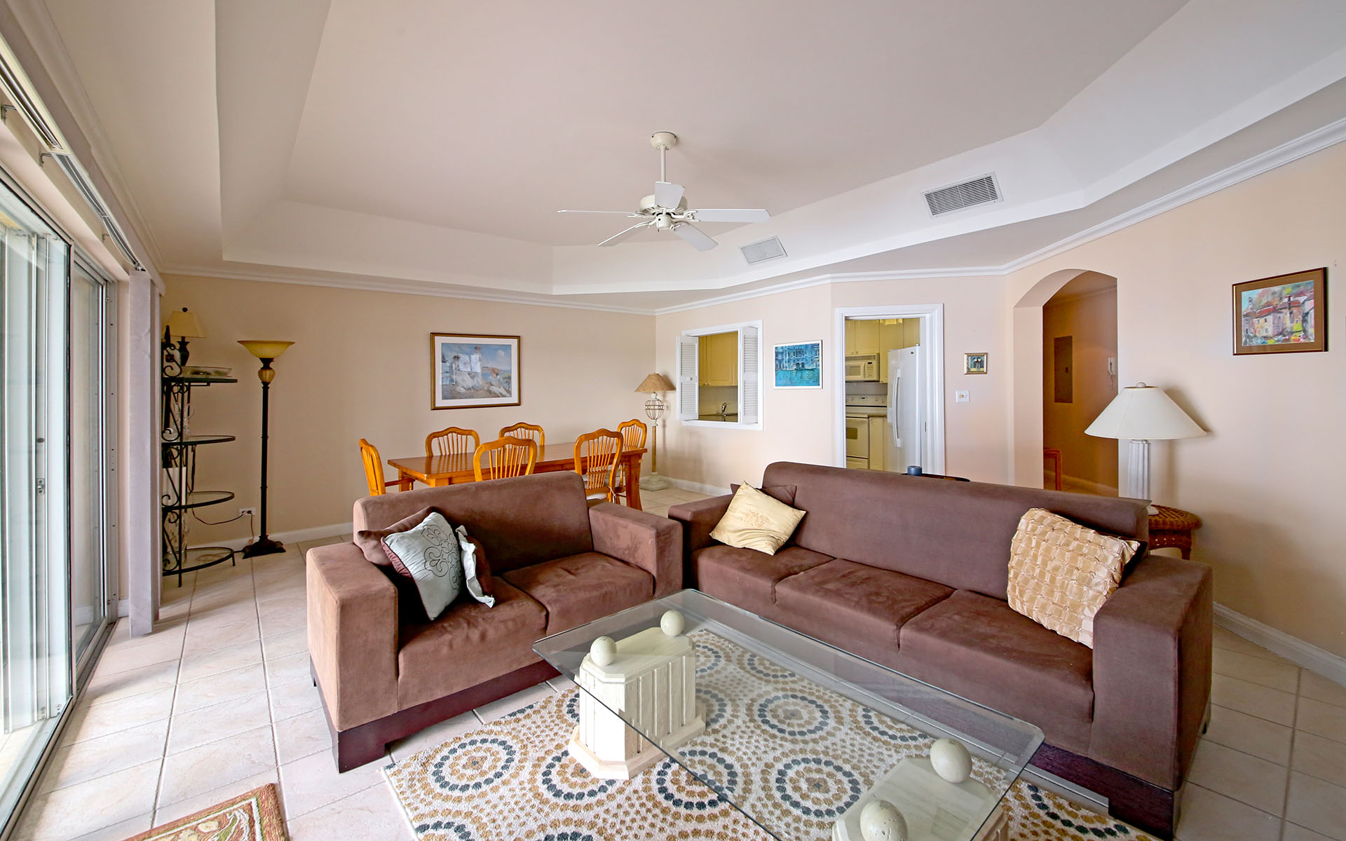 Additional photo for property listing at Exquisite Condo in Gated Community Bahamalar
